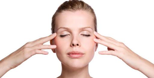 Cách làm trẻ hóa khuôn mặt bằng 4 bài tập Yoga Face 3